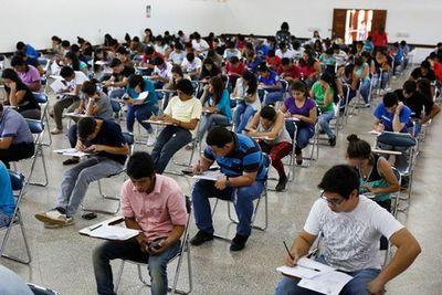 Desde mañana, jóvenes pueden postularse a las becas de Itaipú online