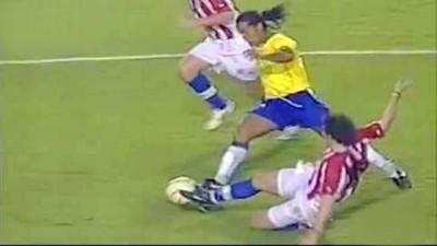 Ronaldinho ¡La magia del fútbol viene a Paraguay! (Vídeo)