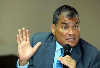 """Correa es juzgado por """"financiación ilegal"""""""
