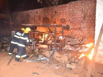 Se incendió carpintería y 20 quedaron desempleados