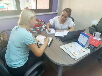 Coordinan acciones para promover empoderamiento económico de mujeres en Itapúa