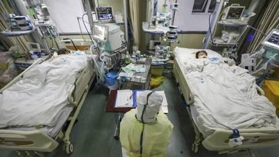 LA CANTIDAD DE MUERTES EN CHINA POR EL CORONAVIRUS YA SUPERA EL MILLAR