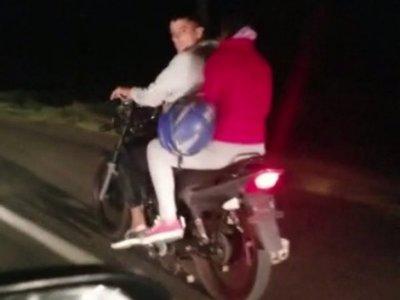 Persiguieron a motochorros hasta recuperar celular robado