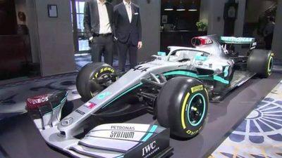 Mercedes muestra su máquina