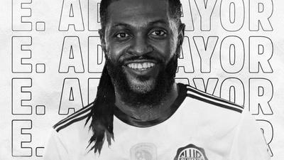 Olimpia presenta oficialmente a Emmanuel Adebayor [VÍDEO]