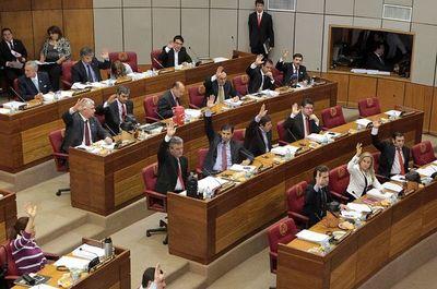 Sesión extra de senadores tratará ley de financiamiento político este jueves