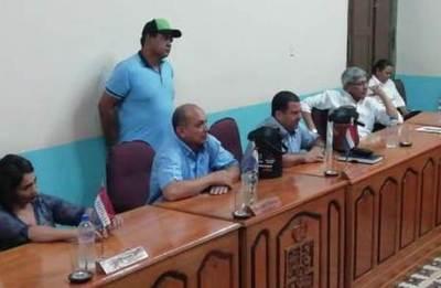 Según Miguel Domínguez, su acción ante Tribunal de Cuentas «ya se fue a agua de borraja» (sic)
