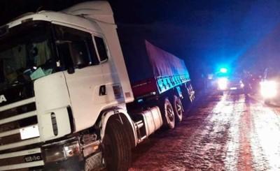 Encuentran camión robado con toda la carga