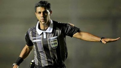 Enrique Cáceres sera el Arbitro del Clasico de Hoy