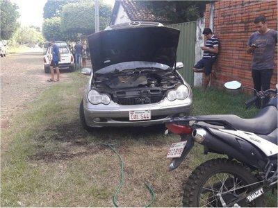 Desconocidos incendian vehículo de extranjero en Guairá
