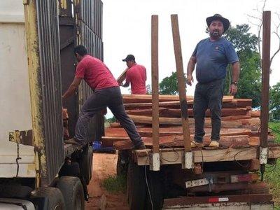 Yasy Kañy: Retienen camión con carga de madera supuestamente sin documentos