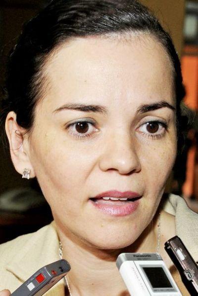 Ministro es indagado por declaración falsa