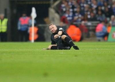 HOY / Quejas hacia un árbitro de la Premier League por su actitud irrespetuosa