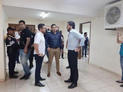 Justo Zacarías trata de incapaz a Prieto y dice que el desalojo de la oficina parlamentaria es una revancha política