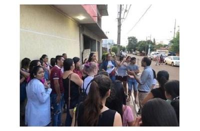Estudiantes denuncian cierre arbitrario y repentino de carreras en universidad de Ciudad del Este