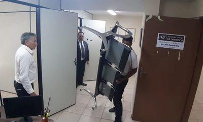 Desmantelan oficina de Lucho Zacarías que operaba en la Casa de la Cultura