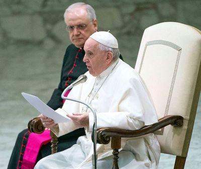 El Papa obvia posibles curas casados