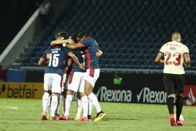 Cerro venció a Universitario y clasificó a la siguiente fase de la Libertadores