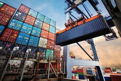 Estiman que el país volverá al superávit en la balanza comercial