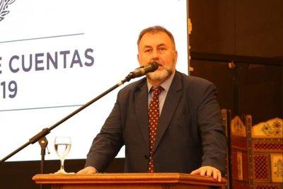 Ministro de Hacienda cree que la justicia ratificará tope a beneficios