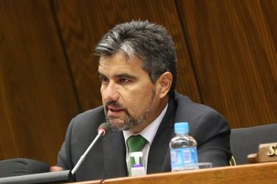 "Acosta:""En vez de reivindicar a Stroessner que reivindique a Roa Bastos o a los que lucharon contra la dictadura"""
