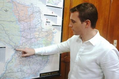 Nuevo titular de la Comisión del Manejo del Lago Ypacaraí plantea reconstrucción de muro para contener el agua