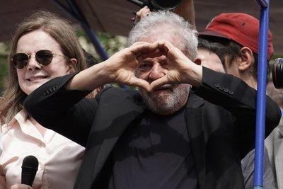 Papa recibe a expresidente brasileño Lula en el Vaticano