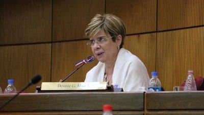 """Senadora sobre dengue: """"Ministerio oculta datos"""""""