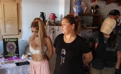 HOY / Detienen a madre e hija por presunto microtráfico de droga