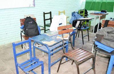 Proyectan reparar 10.000 sillas y entregar a instituciones educativas