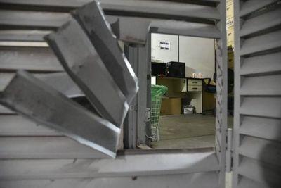 Adolescente intentó robar sucursal de Inverfin en Luque