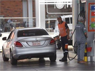 SET posterga decreto del ISC y se descarta posible suba de las naftas