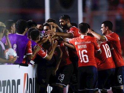Independiente vence a Fortaleza de Rogerio Ceni
