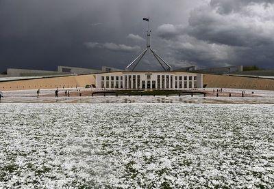Las impresionantes tormentas de polvo y granizo que azotaron Australia, todavía afectada por los incendios