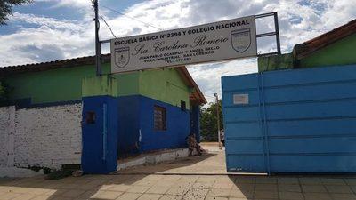 Escuela y colegio de Villa Industrial: Luchan para proveer de mínimas comodidades