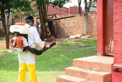 Limpian y fumiga las escuelas de CDE para prevenir el dengue