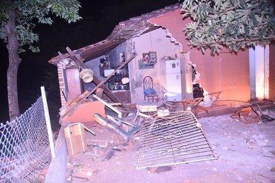 Pelea entre vecinos termina con un joven embistiendo una casa en Itá