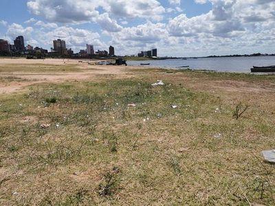 Denuncian que costanera quedó inundada de residuos luego de una fiesta de carnaval