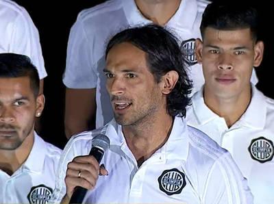 Daniel Garnero y Roque Santa Cruz avisan que Olimpia irá por todo