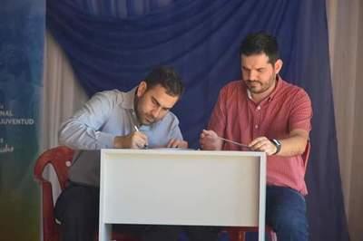 Ministerio de la Juventud dona 9 equipos informáticos a la Biblioteca Municipal de Santa Elena