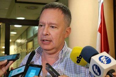 Senadores instan a municipios a regular servicios de Ubers