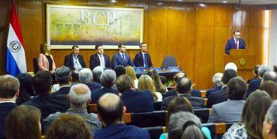 Nuevo director del BCP, de entrada, defendió beneficios de funcionarios