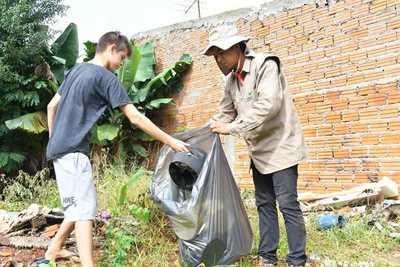 Iglesias se suman a la limpieza contra el dengue