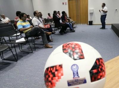 Reunión informativa con clubes de la UFI