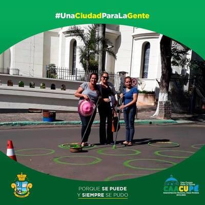 Municipalidad entrega kit para pintata a docentes