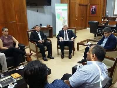 Administración de Itacurubí impulsa nuevos planes para el desarrollo del municipio con el Ministro de la MOPC