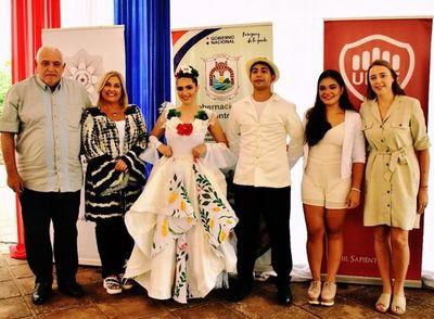 Presentan trajes típicos del Dpto. de Itapúa