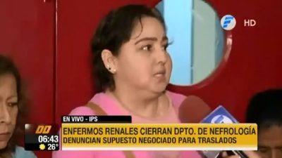 """Pacientes renales denuncian """"negociado"""" en tercerización"""
