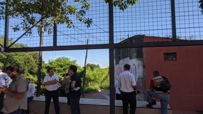 HOY / Descontaminan paisaje urbano con retiro de carteles y anuncios