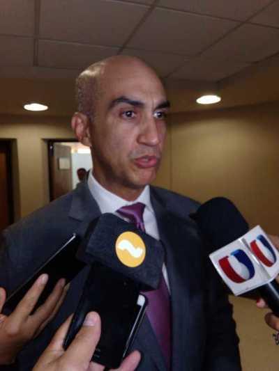 Mazzoleni admite que declaración de emergencia por dengue contribuirá para mejorar el sistema de salud